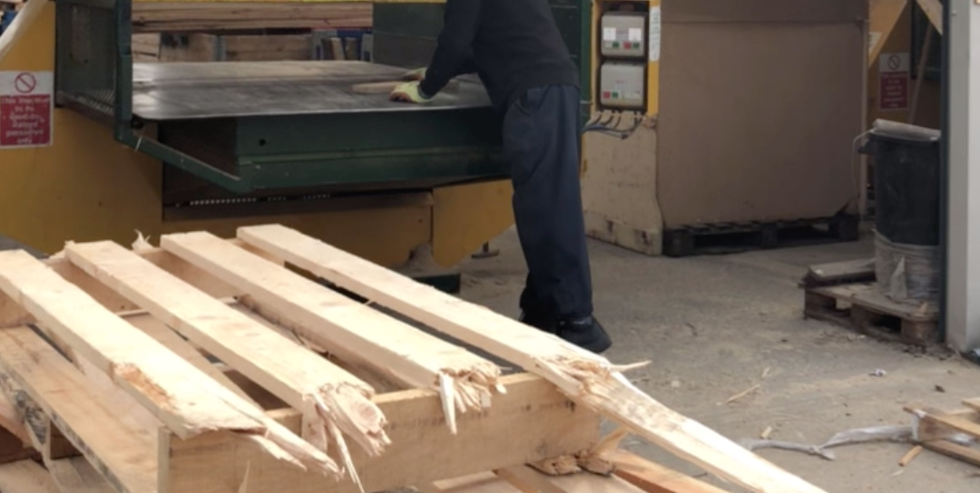 6 Benefits of Choosing Reconditioned Pallets